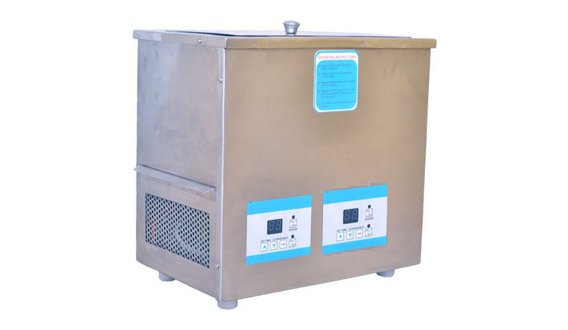 Ultrasonic-cleaners with chiller